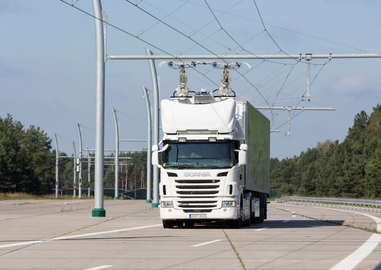 Siemens Wants to Power Electric Trucks with Overhead Lines