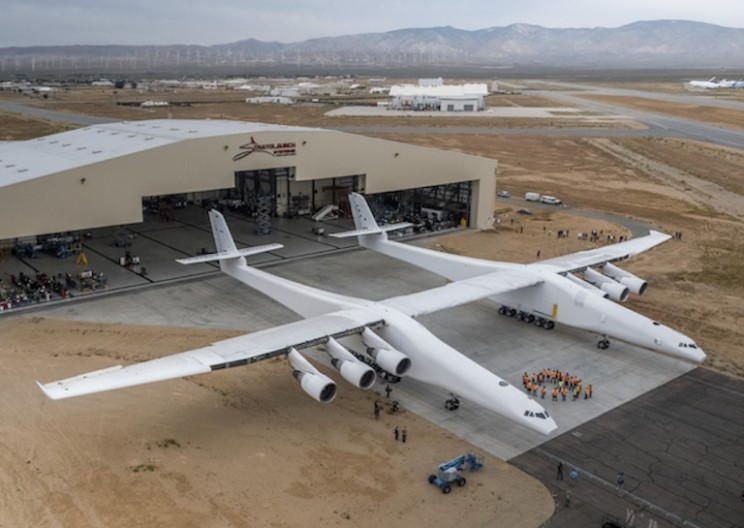 Stratolaunch: The Rocket-Launching Aircraft Longer Than a Football Field Unveiled!