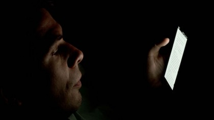 You Go Temporarily Blind After Glancing at Your Smartphone at Night