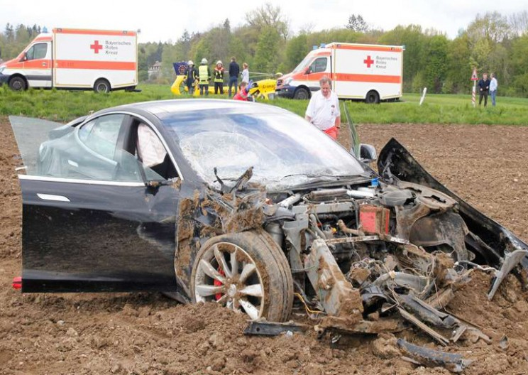 Tesla Model S Crumple Zone Just Saved 5 Lives