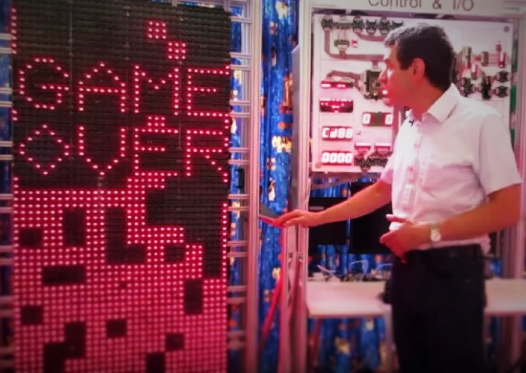 Man Constructs a Massive $51,000 Computer to Play Tetris