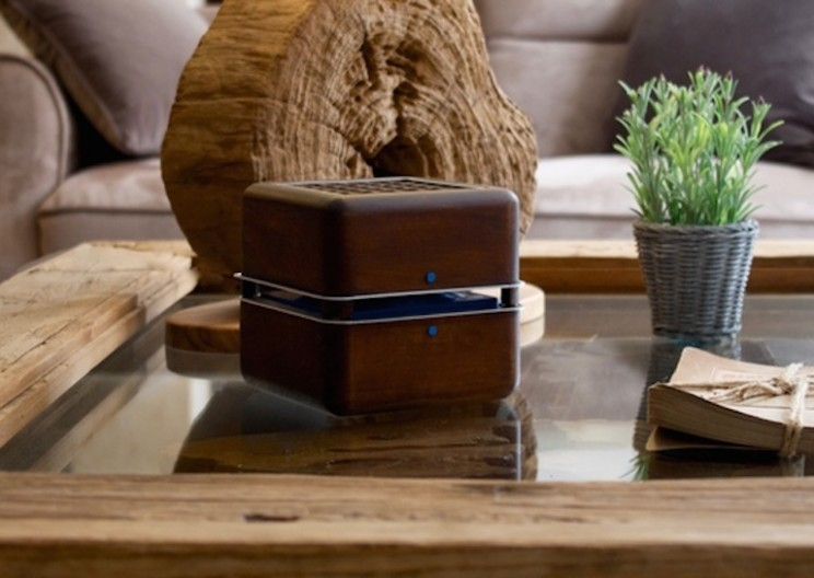 Eco-friendly Wooden Cube will Cool Your Room Using Only Ice
