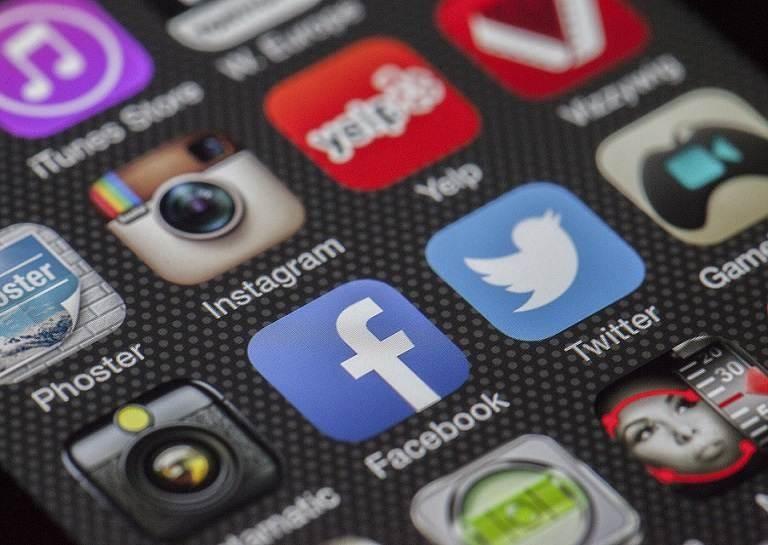history of social media apps 1