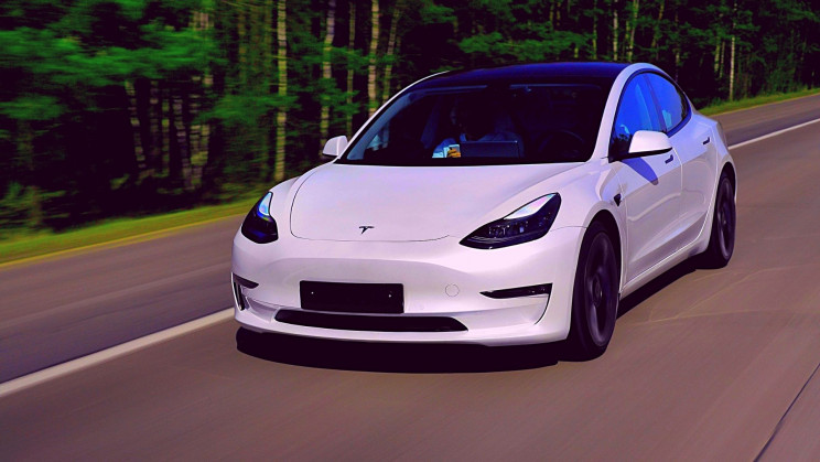 Tesla's 'Full Self-Driving' Software May Open to More Drivers. Should We Worry?