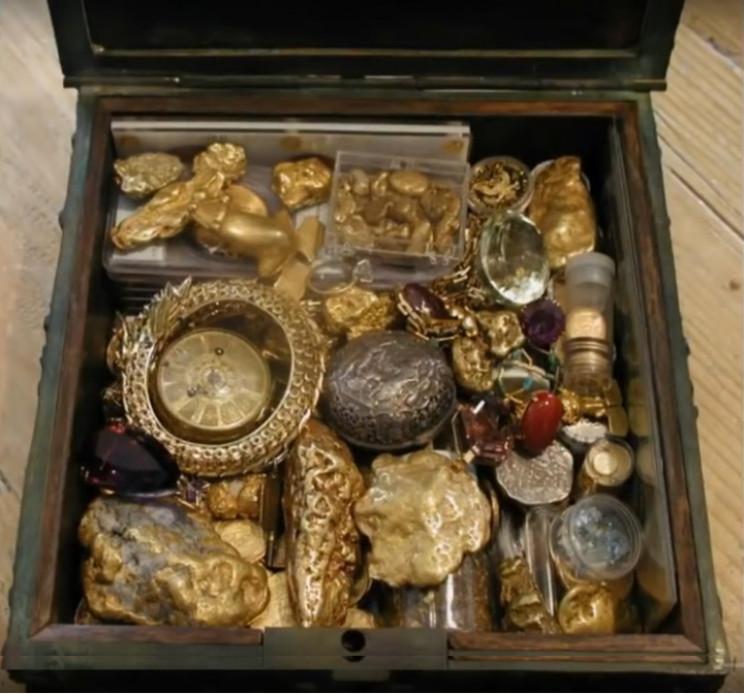 Purported contents of Fenn treasure chest