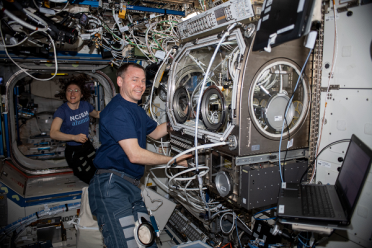3D Printing and Biology Researches from the ISS Back on Earth via SpaceX's Dragon Spacecraft