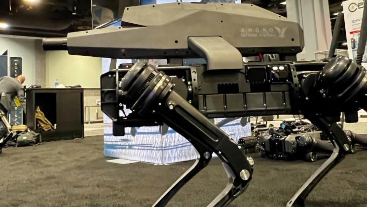 Ja, Roboterhunde können jetzt Scharfschützengewehre auf dem Rücken tragen