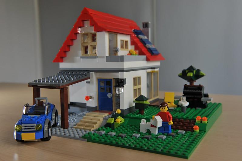 designing lego house