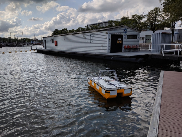 MIT Launches Its Fully Autonomous Boat in Amsterdam's Canals
