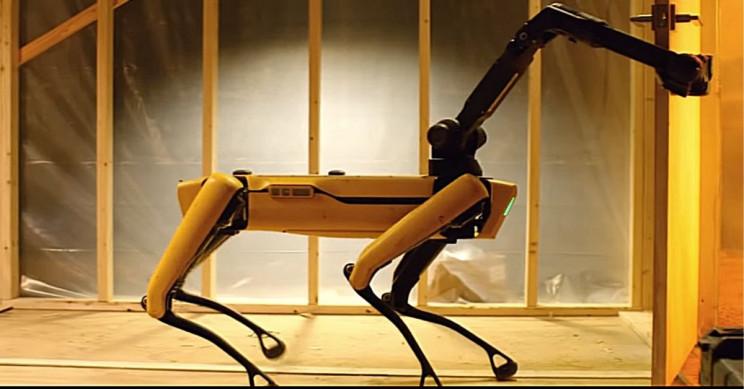 Boston Dynamics Robot Arm Pulls