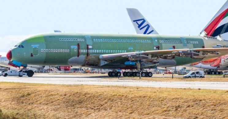 Last Airbus A380 Ready to Take Off in France