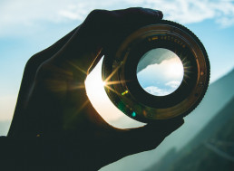 Mexican Physicist Incredibly Solves 2,000-Year Old Ancient Lens Problem
