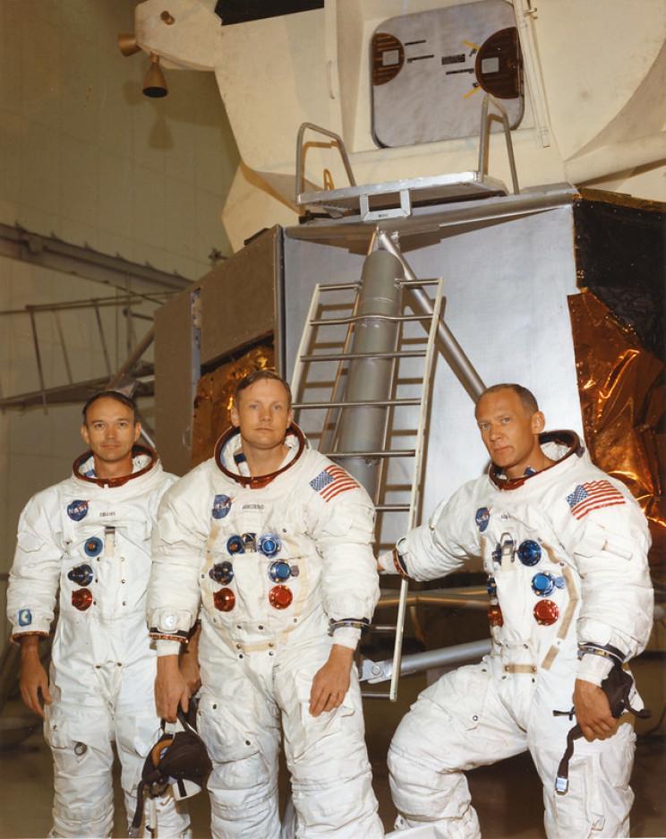 apollo 11 crew and capsule