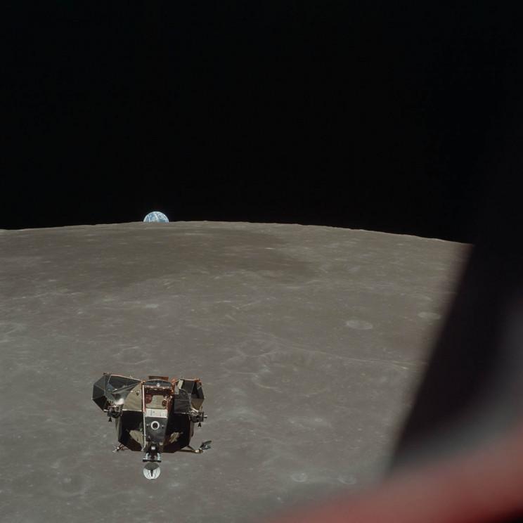 Apollo 11 Returns to Columbia