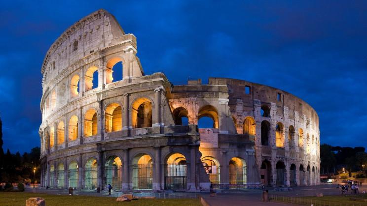 Roman concrete coliseum