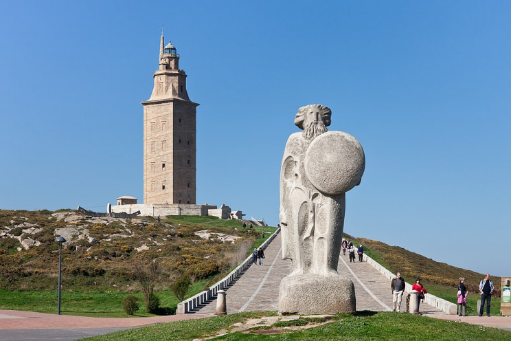 facts about lighthouses spain
