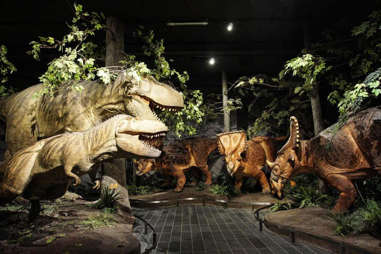 reconstructions of dinosaurs