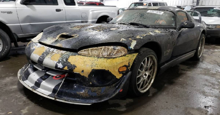 This Burnt 2001 Dodge Viper Is Awaiting Salvation