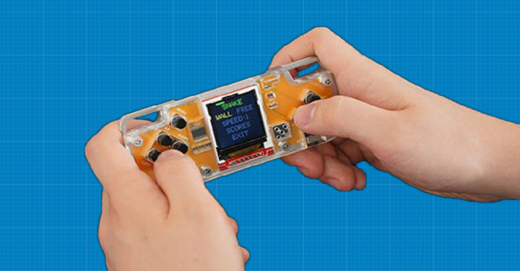 Learn About Electronics and Programming with this Retro Game Console
