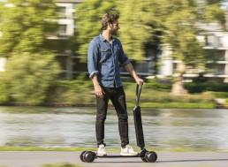 Audi's e-Scooter-Skateboard Hybrid 'Handles Like Surfing'