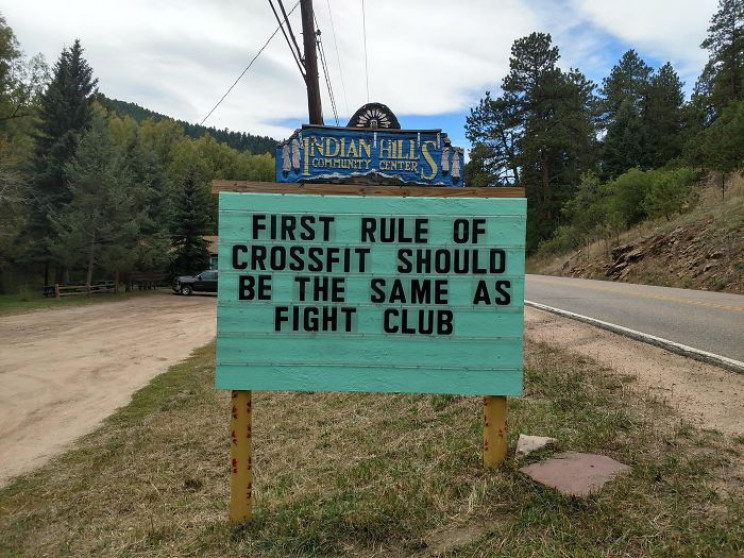 9 of the Funniest Puns Displayed on Public Signs in Colorado