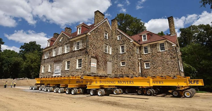 Here Is How Engineers Move Buildings