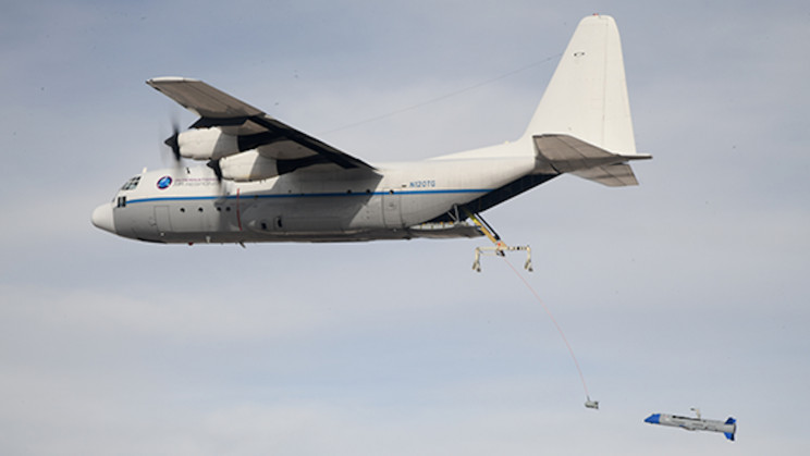 DARPA Carries Out Tests on Its Flying Aircraft Carriers