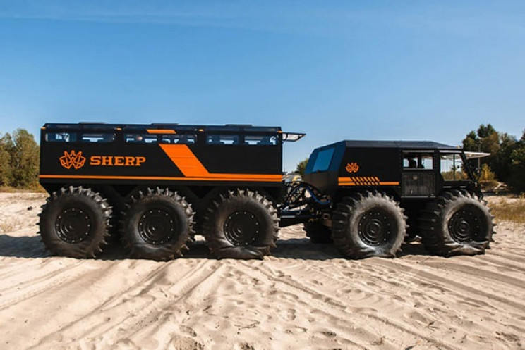 The Ark: All-Terrain and Off-Road Vehicle That Fits 22 People and Can Go Anywhere