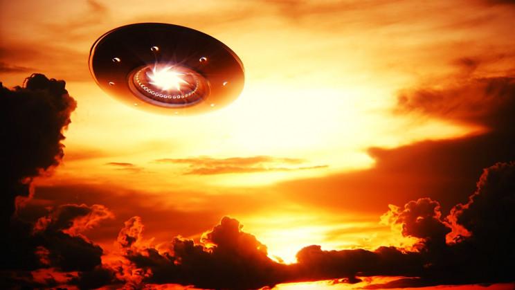 Un physicien théoricien dit que les scientifiques doivent être ouverts à la possibilité d'OVNI