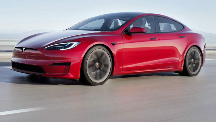 Even With Just 50% Charge, Tesla S Plaid Is Faster Than Supercars