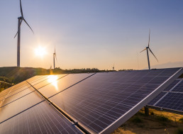 How to Create Your Own Electricity With Sunshine and Wind