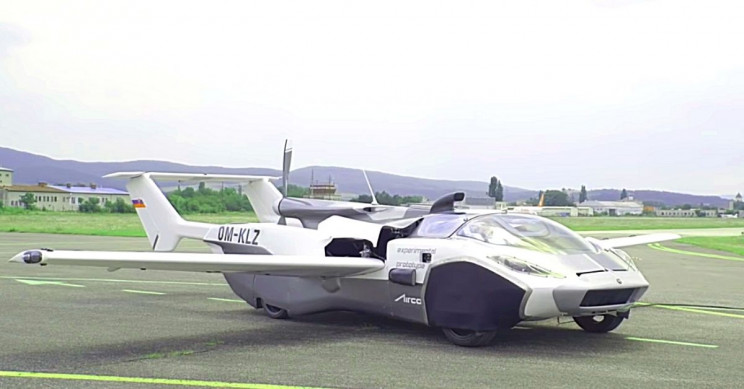 Flying Car Soars 1,500 Feet High, Converts to Road Vehicle in 3 Minutes