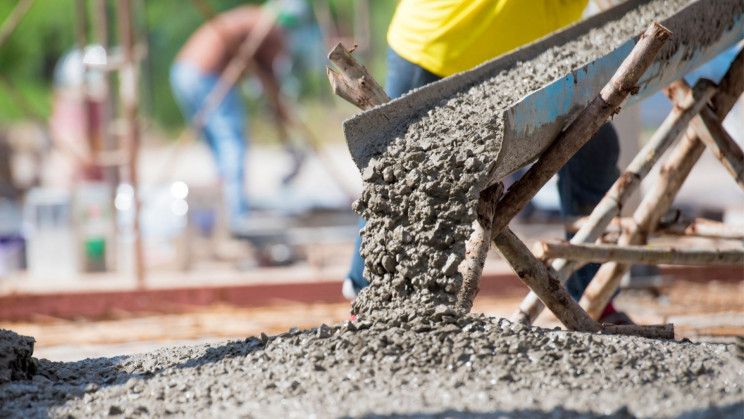 Oil Company Recycles CO2 by Curing Concrete with It