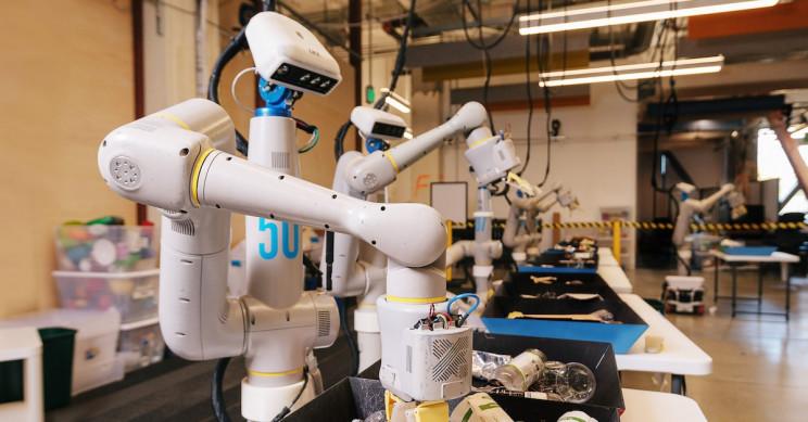 Robotics Program Introduces the Everyday Trash-Sorting Robot