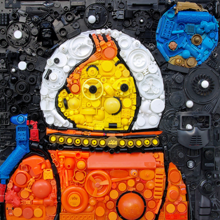 """Junk Masterpieces: These Incredible """"Upcycling"""" Artworks Are Made From Repurposed Plastic"""