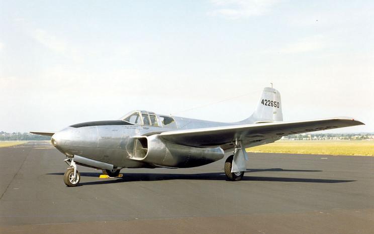 jet planes P-59