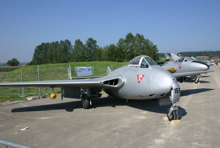 early jets de havilland vampire
