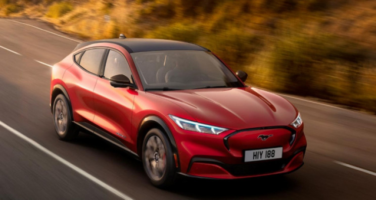 16 Ambitious High Performance EVs That Will Change the Auto Industry