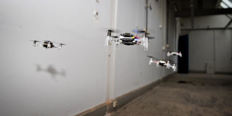 New Algorithm Allows a Swarm of Mini Drones to Fly Together