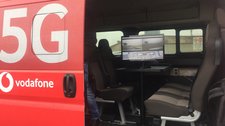 Vodafone Demos How 5G Improves The Safety of Connected Cars for Urban Mobility for The First Time in Italy