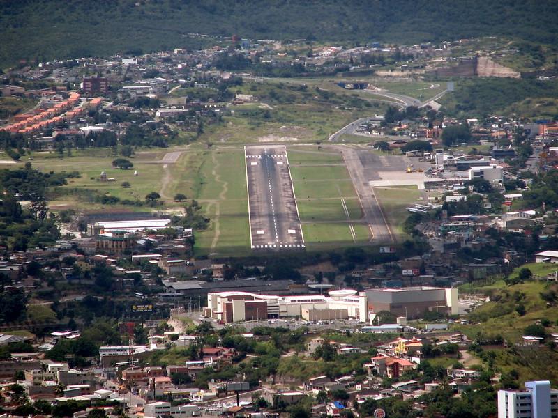 most dangerous airports toncontin
