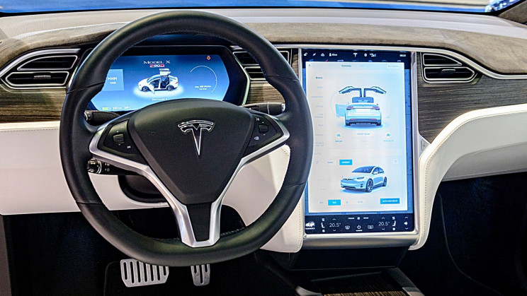 Two Dead in Likely Autopilot-Induced Tesla Car Crash