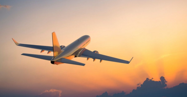 Airlines Can Cut Emissions by Riding the Wind Better, Study Says