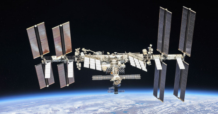 Boeing to Provide Six New Solar Arrays for NASA's ISS Research