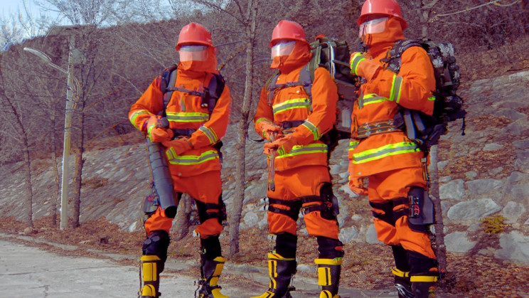 China Just Upgraded Its Firefighters With Super-Human Exoskeletons