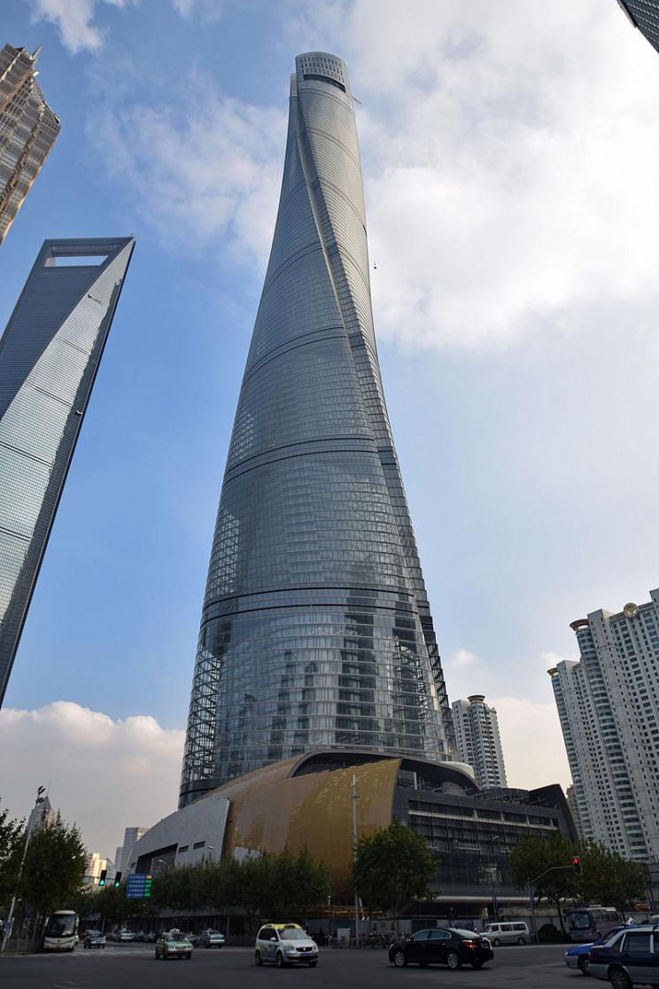 skyscraper engineering marvel shanghai