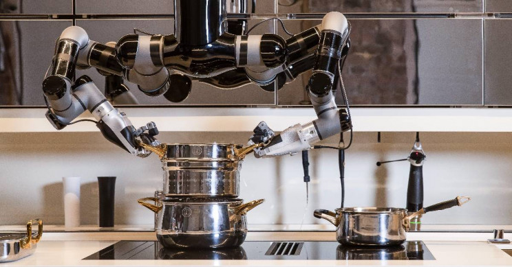 World's First Robotic Kitchen Cooks from Scratch, Even Cleans Up