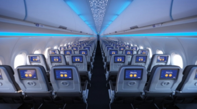 JetBlue A321LR seatbacks