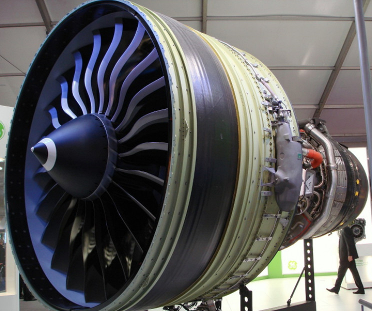 GE90 jet engine