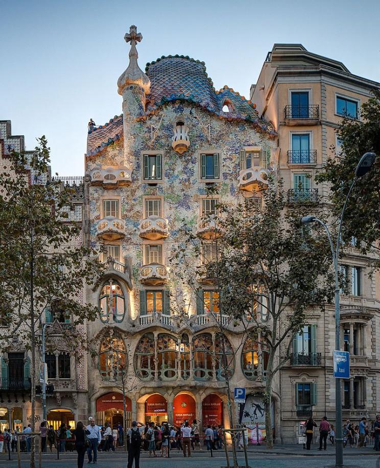 unusual buildings casa batllo